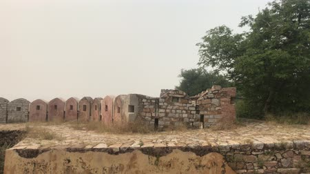 Дели : Jaipur, India - defensive structures on a high mountain part 6 4K