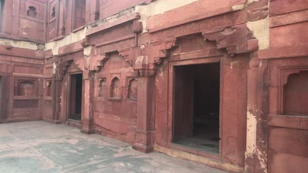 купол : Agra, India - Agra Fort empty space in the red fort part 1 4K Стоковые видеозаписи