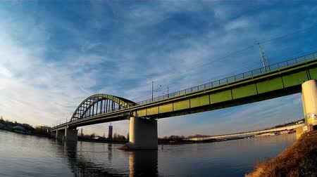 sérvia : Bridge and Traffic On It Over The River in Timelapse Video