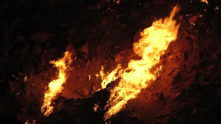 получать : Darvaza Gas Crater Pit Breathtaking Close Up Flames View
