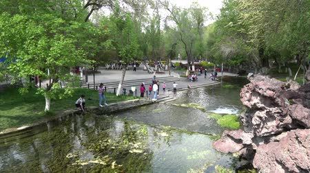 павильон : Local Chinese People are relaxing at the Urumqi Shuimogou Scenic Area Park