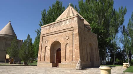 династия : Taraz Aisha Bibi and Babazha Khatun Mausoleum Side View on a Blue Sky Day