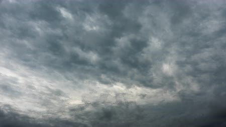 Professional time lapse of gray stormy clouds, no flicker, no birds Wideo