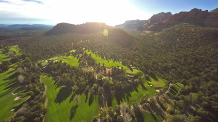 kurs : Aerial view of a golf course Wideo