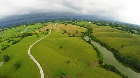 ranč : Stormy weather over Central Kentucky countryside