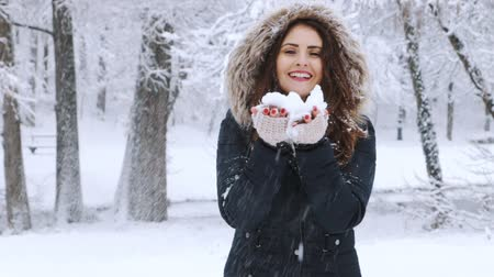 Çingene : Winter portrait of a beautiful woman Stok Video