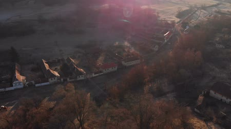transilvânia : Aerial view of Gherdeal village in Romania. Fortified church in Transylvania Stock Footage