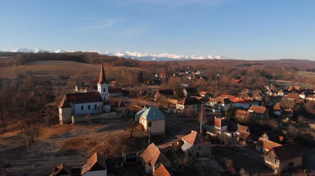 fortificado : Aerial view of Gherdeal village in Romania. Fortified church in Transylvania Stock Footage