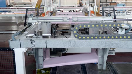 izolace : industry, automatic equipment for production of foam polystyrene at large factory