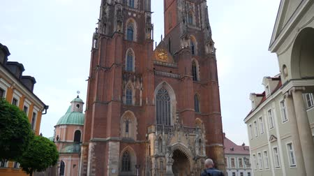 wrocław : Wroclaw, Poland 12 May 2018: European Attractions, Cathedral of St. John in Wroclaw 12 May 2018 Wideo