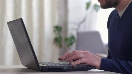 correspondência : businessman working with internet, male hands of freelancer close-up of typing text on black computer keyboard
