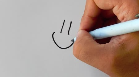 çizim : drawing a smiley face Stok Video