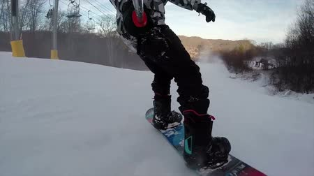 snowboard : Snowboarding on fresh snow