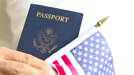 pas : Proud american. US passport and flag. Passport check