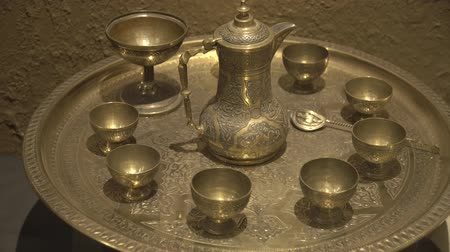 konvice : Antique, Arabic coffee set. Tea set consisting of a kettle and cups.