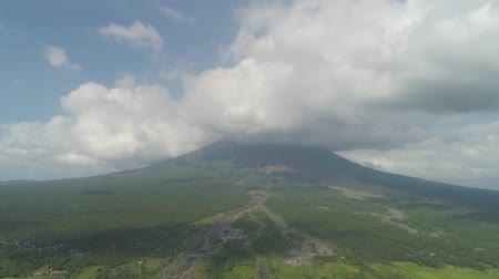 legazpi : Aerial view of mount Mayon volcano, the most active in Philippines. Mount Mayon vulcano near Legazpi city.