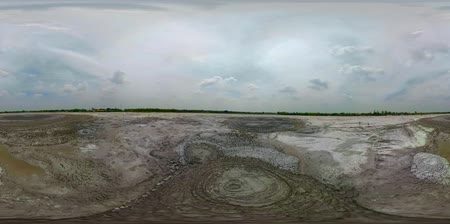 géiser : vr360 Mud volcano, geothermal activity and geysers Bledug Kuwu, Indonesia. aerial view volcanic landscape