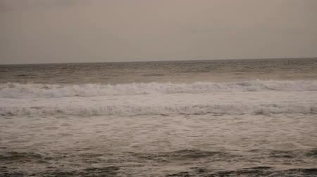 clima tropical : ocean, sea surf with big waves. tropical landscape waves crushing on coral reef Stormy weather at seaside