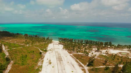 futópálya : Construction of the runway of the local airport on a tropical island. Construction of a landing strip. Balabac, Palawan, Philippines.