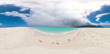 mindanao : Beautiful beach on tropical island, sandy bar with tourists, 360VR. Sandbar Atoll. Summer and travel vacation concept, Camiguin, Philippines. Stock Footage