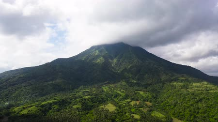 spící : Mt. Masaraga, one of the volcanoes in the Bicol Region. Mountain landscape, Legaspi, Philippines. High mountain covered by rainforest. Summer and travel vacation concept.