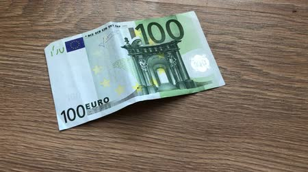 cem : approximation increasing banknote of one hundred euros