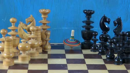 xadrez : Colorful whirligig turning on chess board