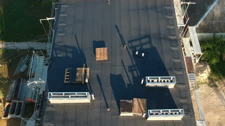 izolace : Flat house roof in city after renovation, aerial view