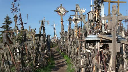 crucifixo : Lithuanian pilgrimage site iconic hill of crosses near Siauliai