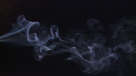 mistério : Abstract blue smoke over black
