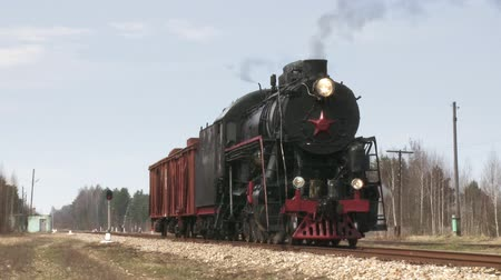 vasúti : standing steam train