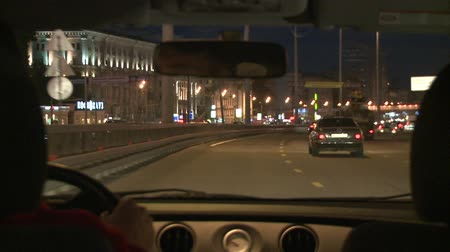 atividades : HD1080p: Time lapse of a car driving in the city at night