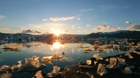 natura : Global Warming Climate Change Concept. Icebergs in Jokulsarlon Glacier Lagoon Wideo