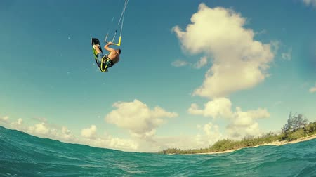 vodní sporty : Young Man Kitesurfing in Ocean. Extreme Summer Sport. Slow Motion HD.