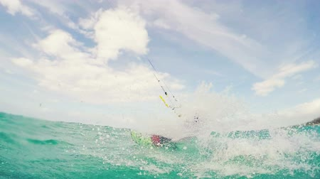 atletismo : Girl Kite Boarding in Bikini. Fun in the Ocean. Summer Extreme Sport. Slow Motion.
