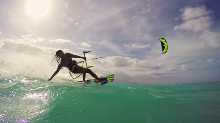 esportes : Kitesurfing in Ocean. Extreme Summer Sport HD. Slow Motion. Stock Footage