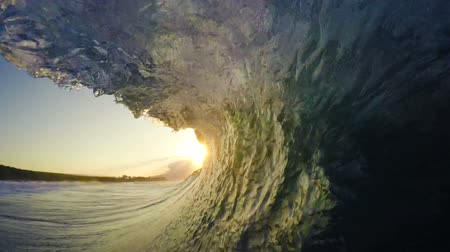ludzik : POV Man Surfing Ocean Wave, Extreme Sport HD Slow Motion. Surfer on Blue Ocean Wave Getting Barreled