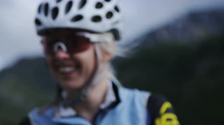 mtb : Close up of woman in biking gear Stock Footage