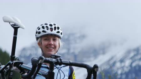 kask : Close up of girl holding road bike