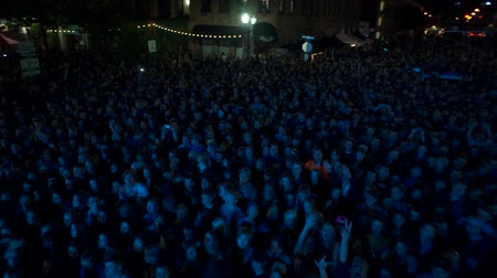 csodálat : drone shot of crowd at concert
