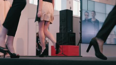 pist : Fashion show. The legs models closeup slow motion Stok Video