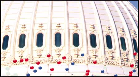 gümrük : Red White and Blue Balloons blow across US Capitol in animated sequence, Washington, D.C.