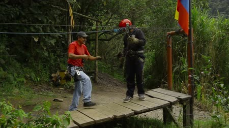 adrenalin : Zipline or canopy, arrival point