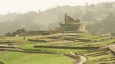 Анды : establishing shot at Ingapirca Temple of The Sun Inca civilization ruins in Ecuador Стоковые видеозаписи