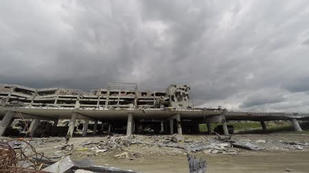 bombardment : donetsk airport time lapse