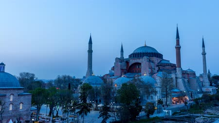 günler : Time Lapse of Hagia Sophia day to night in 4K Stok Video