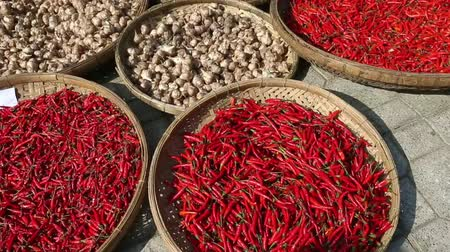 temperos : Close-up view heap of red chili pepper on market. Stock Footage