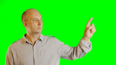 dvojitý : Serious adult caucasian man gestures alpha channel. Hand gestures draw line click double click tap swipe. Upper-half dolly shoot. Template advertise tourism hotels restaurants cafe resorts service. Dostupné videozáznamy