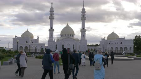 drone : White mosque. Tatarstan, Bulgar. Tourist walking to. Stock Footage