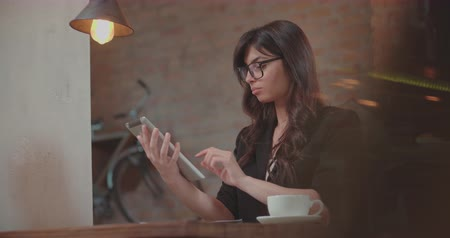 steady cam : beautiful businesswoman working in cafe 4k